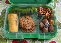 Meatballs and Cookies Yumbox
