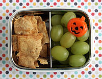 Pita Chips and Grapes Snack